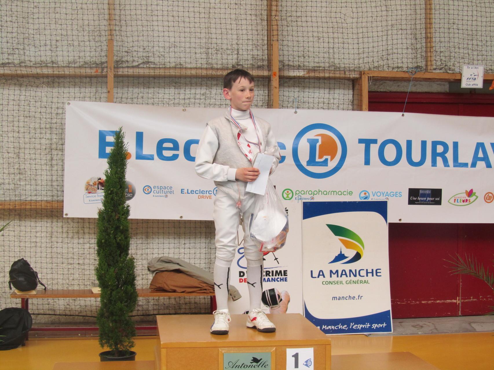 Hadrien (Les Pieux) savoure un de ses derniers podiums ici. Il part sur Nantes.