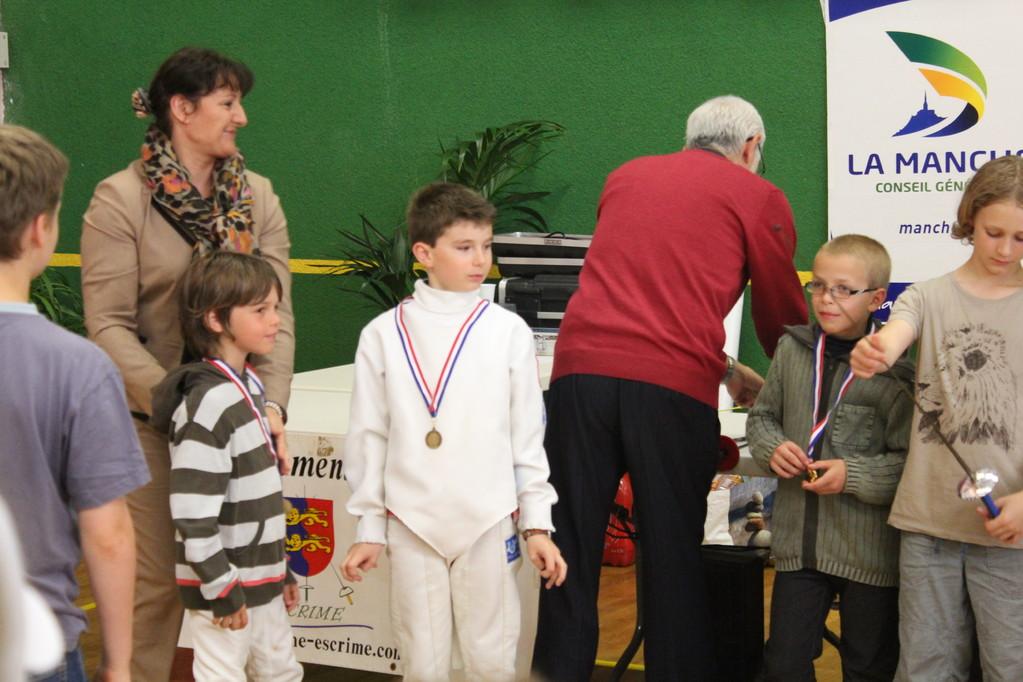 Justin reçoit sa médaille
