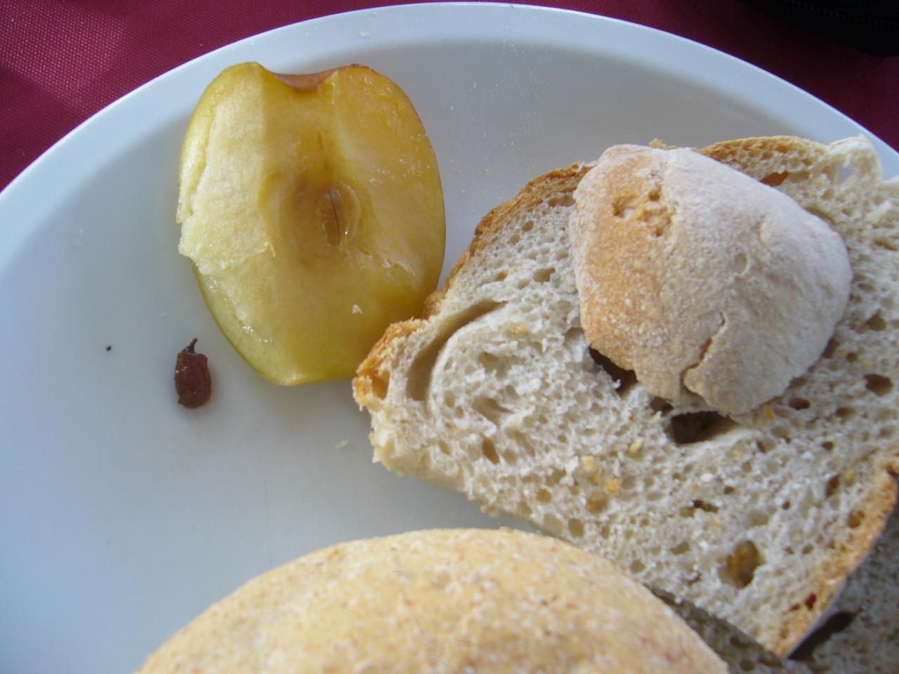 Weißbrot, gebratener Apfel, Weizenbrötchen