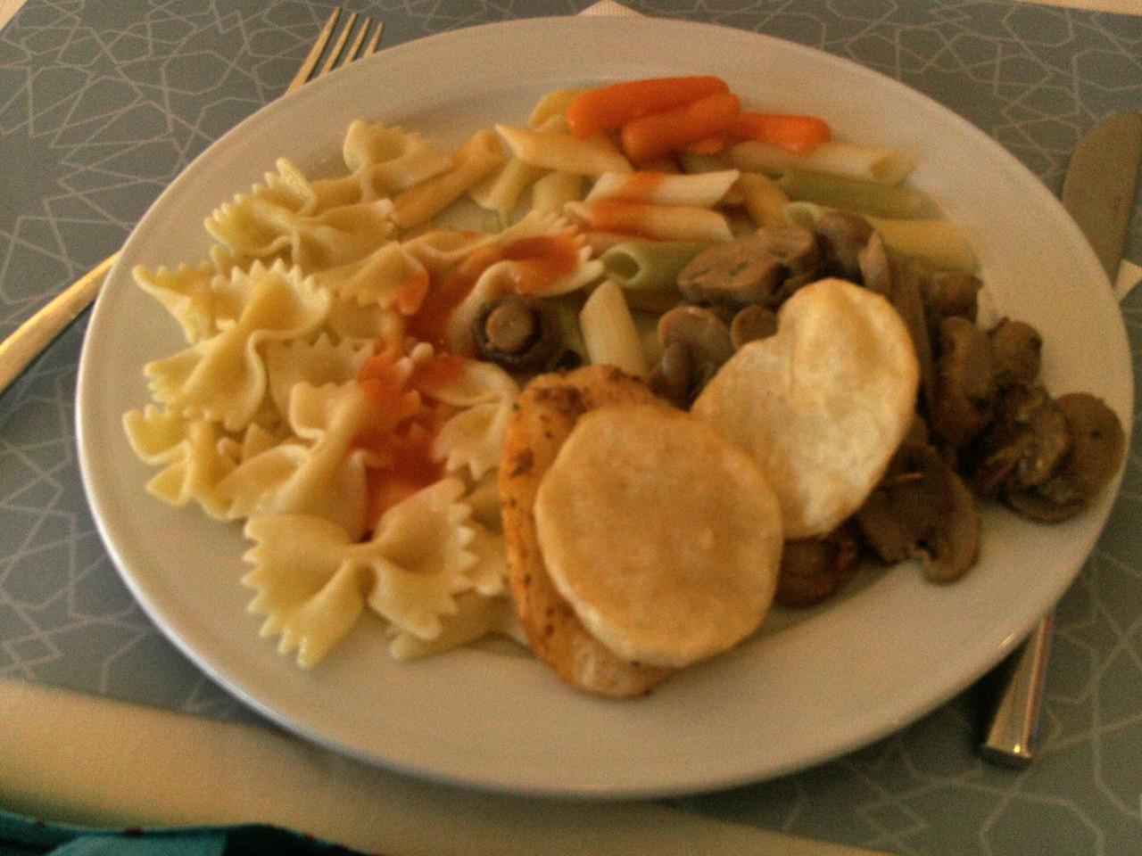 Schleifchennudeln, Ratatuie u. Kartoffelscheiben