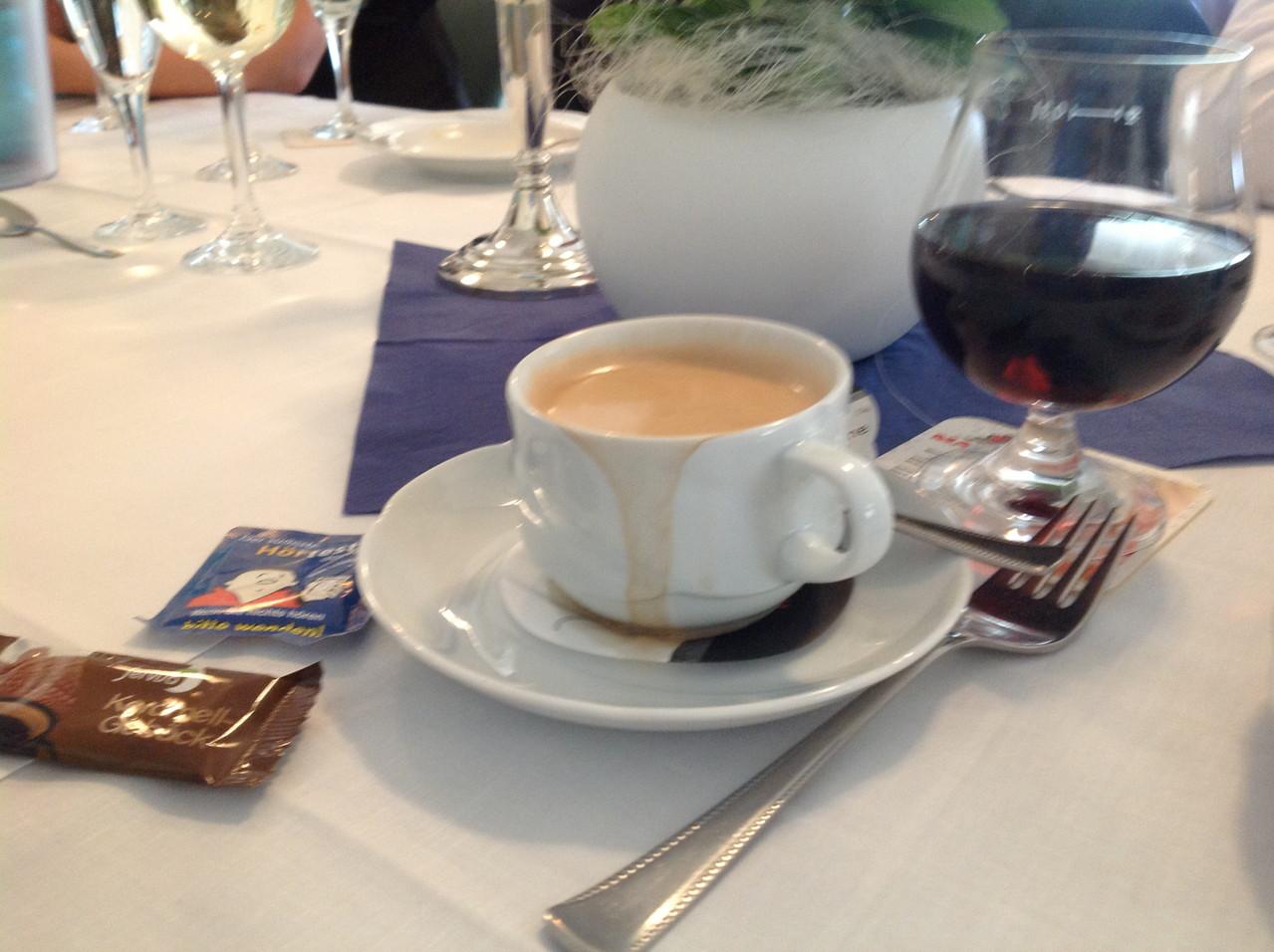 Cafe Crema mit Zucker