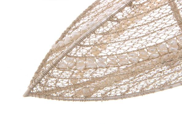Fischreuse / Detail • Handtäschchen 1999 • Silber, Süßwasserperlen, Satinband