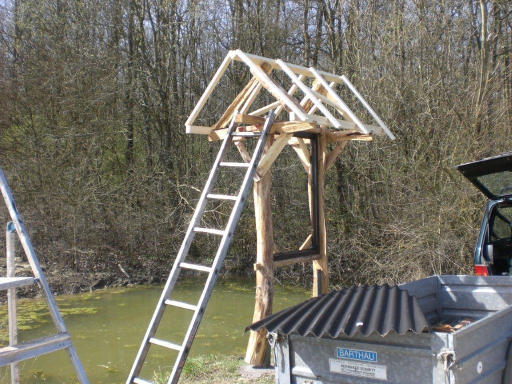 DIY Schautafel für das Biotop am Dragoner Weg wird errichtet
