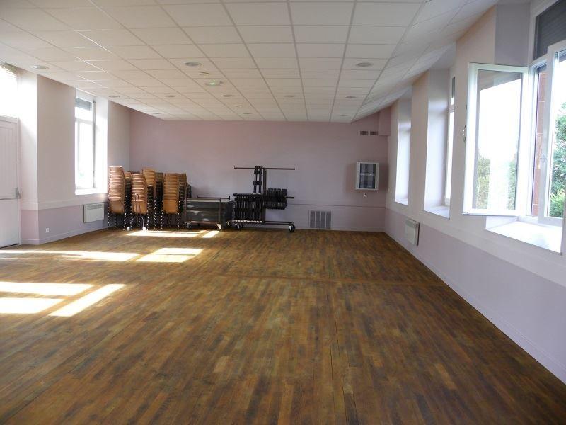 Salle polyvalente à Sorbier (03220)