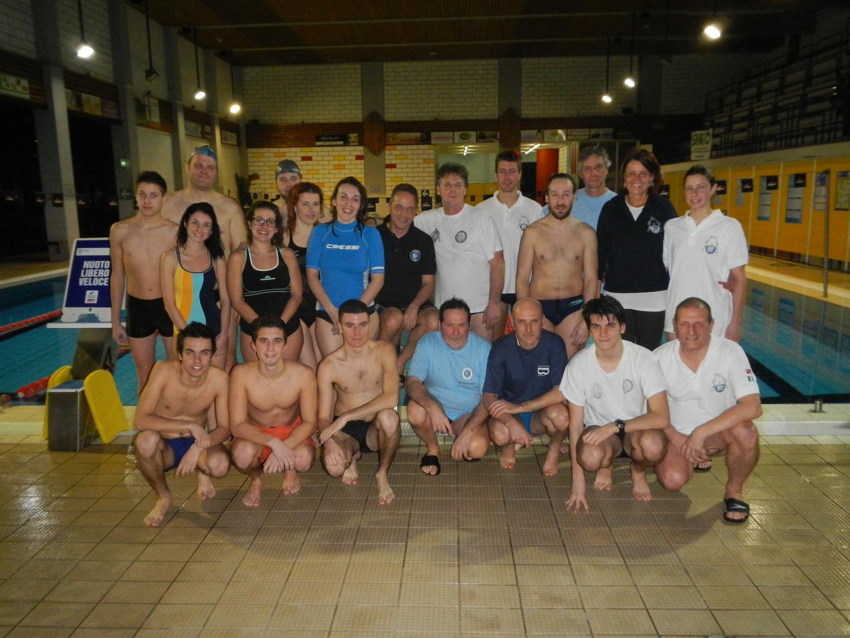 Foto di gruppo con staff e allievi