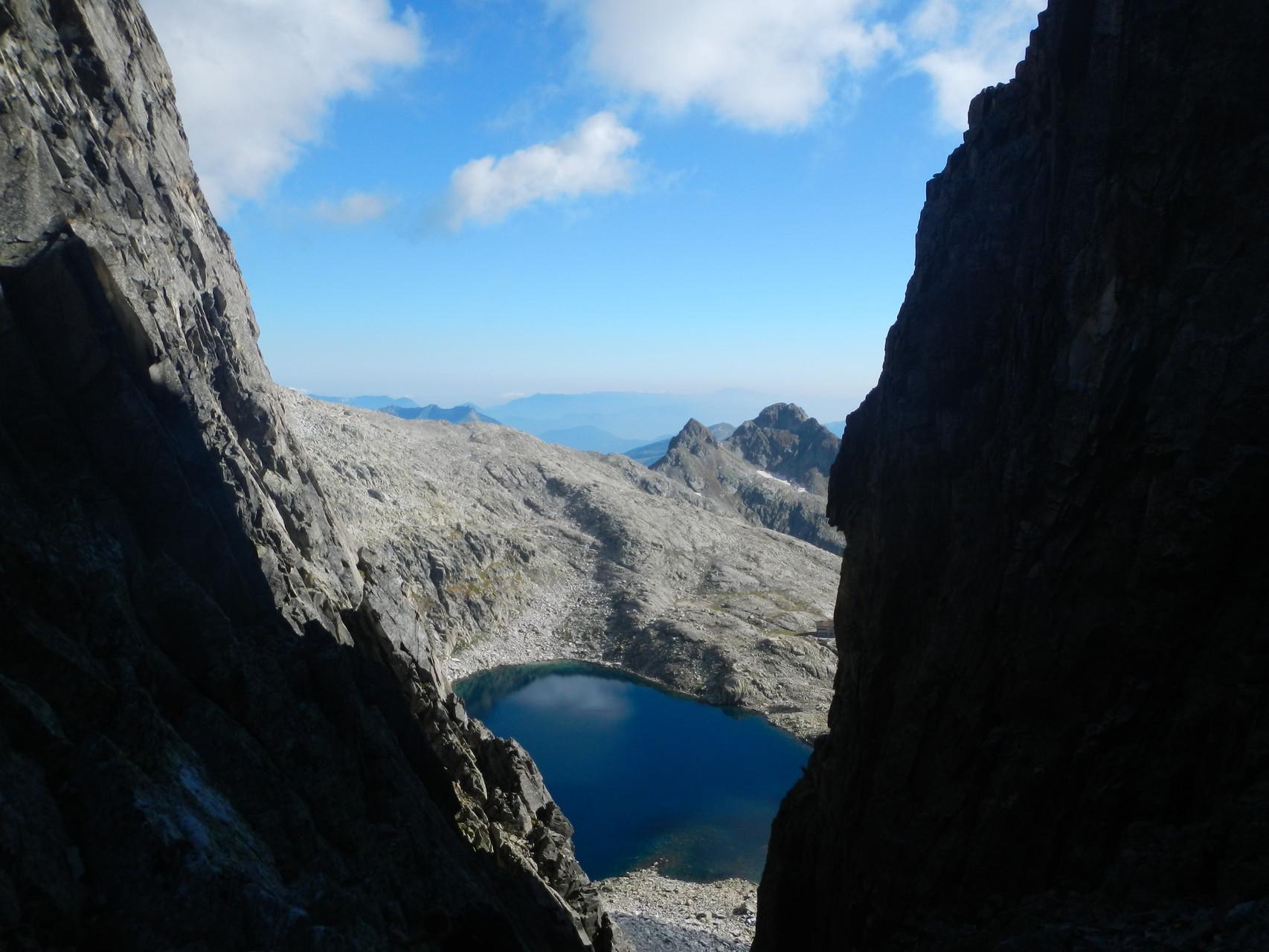 Il lago visto dal sentiero che porta in cima d'Asta