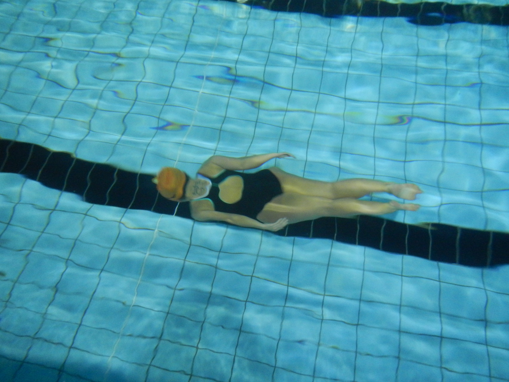 Un passaggio di rana subacquea di Alice