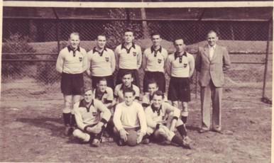 stehend: K. Klein, A. Feß, H. Gerhard, F. Matheis, R. Kennel, F. Bittes - knieend: E. Bernhard, H. Schnurr, J. Schemel - sitzend: E. Birkner, W. Wetzel, K. Klein