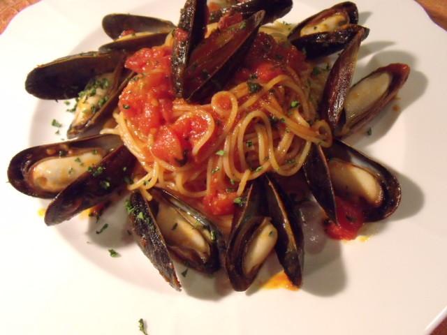 ムール貝たっぷりトマトソーススパゲッティ