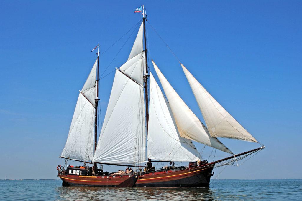 Segelschiff Dy Abt Fan Starum