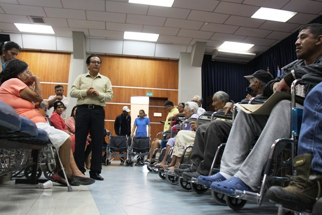 emprendedores con discapacidades reciben apoyo de banecuador