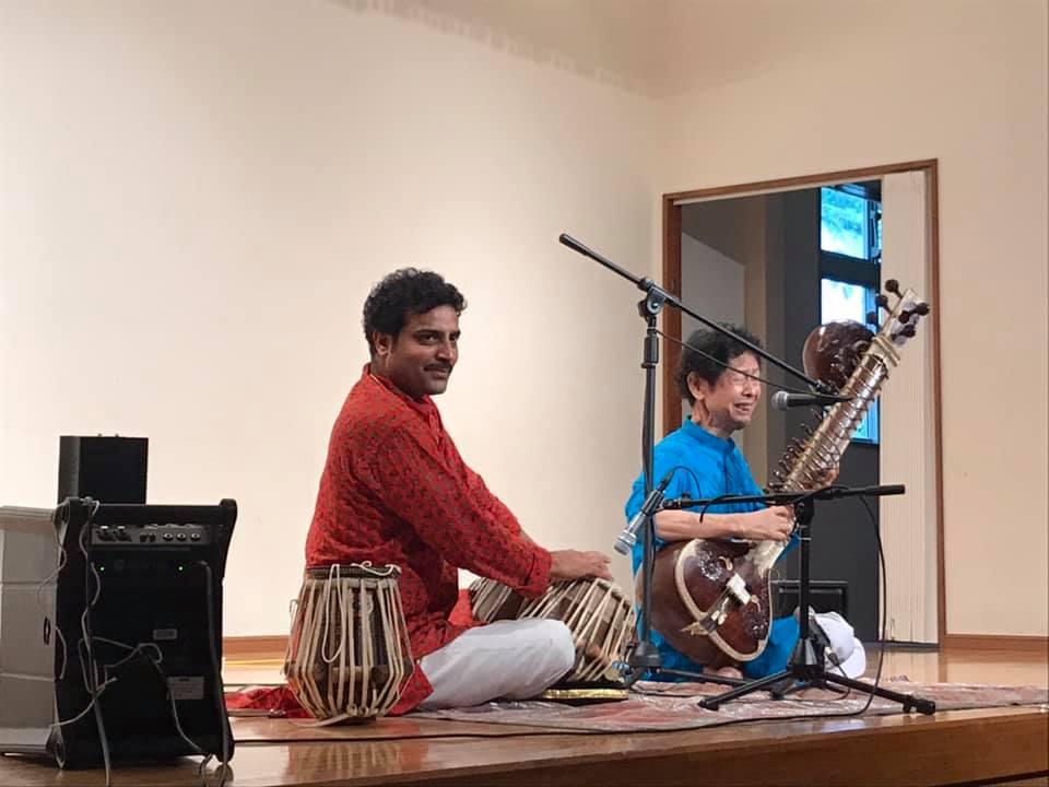 北インド古典音楽/シタール奏者田中峰彦、タブラ奏者アシュウニ・クマール・ミシュラ