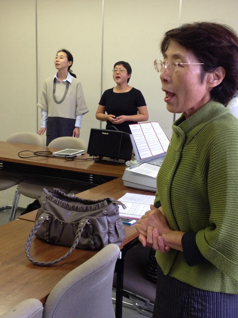 ゴスペルクラブNARA で発声練習