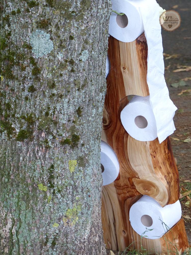 Toilettenpapier_Halter_aus_Holz