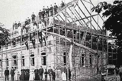 Schule im Bau (Heutiges Rathaus)