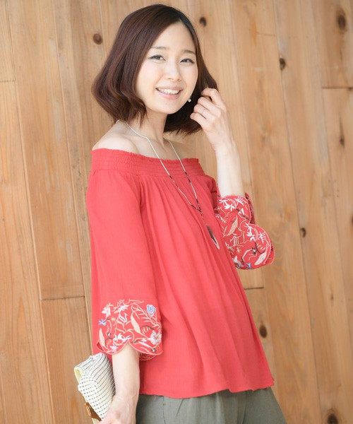袖刺繍楊柳オフショルブラウス