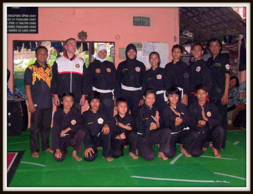 Mannschaft der IPSI Cirebon - Hier hatte ich die Ehre Unterricht zu geben