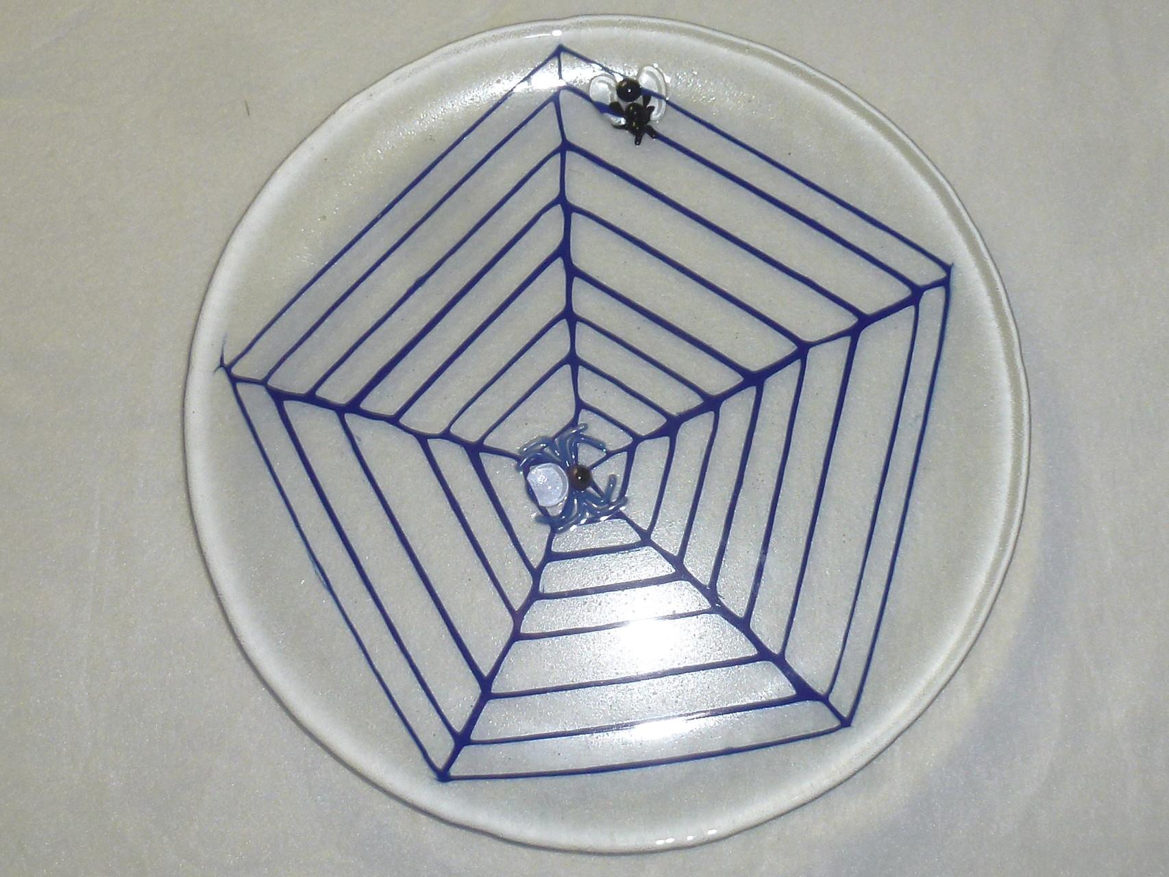 """Spinnenplatte""  ø zirka 28cm   Preis: Fr. 90.--"