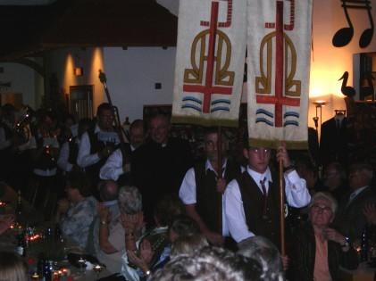 """Prozession zum Einzug mit """"Lobet den Herren"""""""