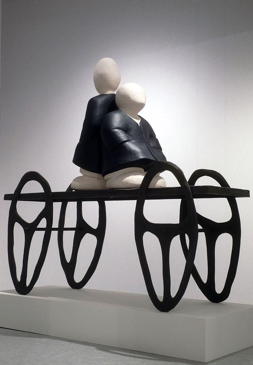 """""""Les convoyeurs attendent..."""" - sculpture en bois, résine stratifiée - 164x170x58 cm"""
