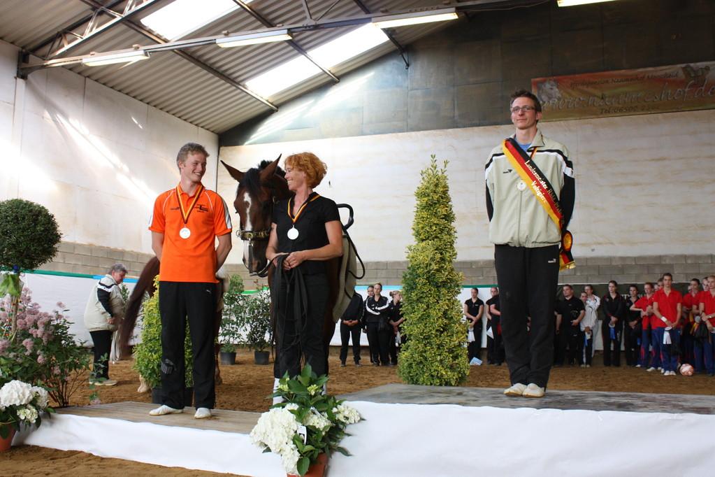 Silber für Lasse Dröscher, Voltigieren Wildenburg, Uli Dröscher, Gismo