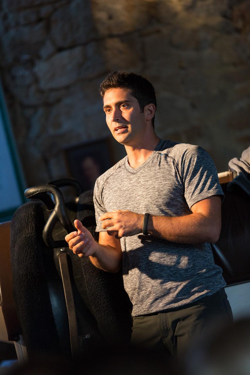 Der ehemalige Weltmeister im Einzel- und Gruppenvoltigieren aus den USA, Devon Maitozo, erläuterte Grundlagen zur Kür-Choreografie im Voltigieren