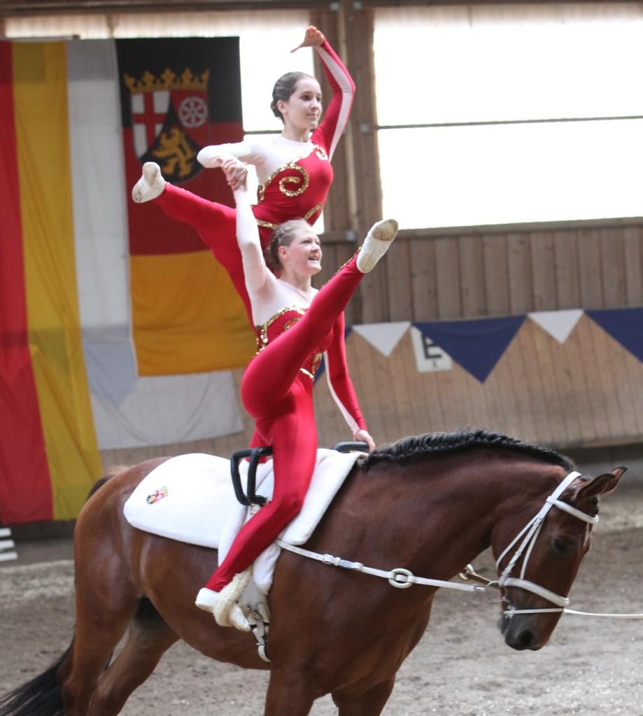 glänzen mit Ausstrahlung: Mona Rauschkolb und Johanna Raible, Mainz-Laubenheim Junior