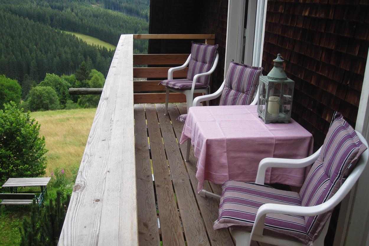 Balkon auf der Ostseite mit Sonne von Morgens bis Mittags