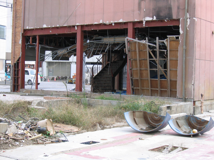 津波で破壊された店舗