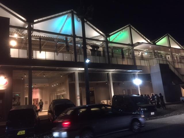 南町紫神社前商店街ビル完成