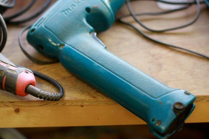 古い電動工具って、カタチが愛らしいです。