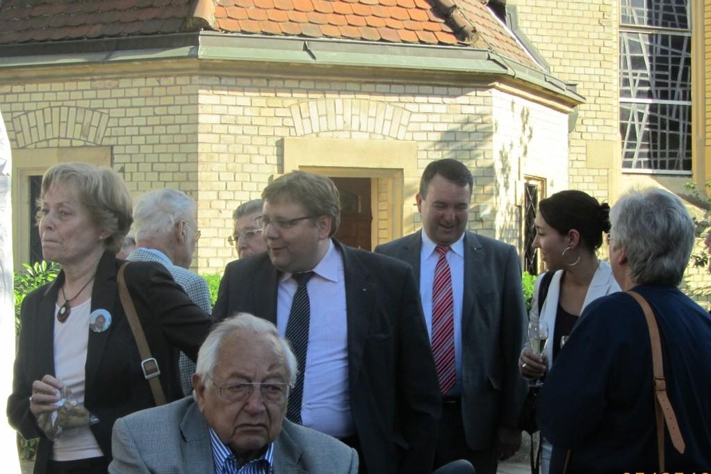 Altstadtrat Hansjochen Schütze, Claudius Kranz und Egon Manz