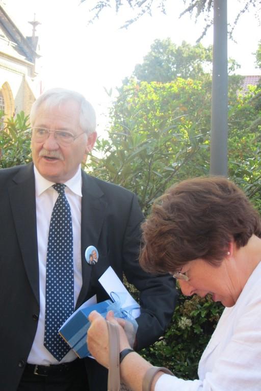 Egon Jüttner und Stadträtin Dr. Elke Wormer