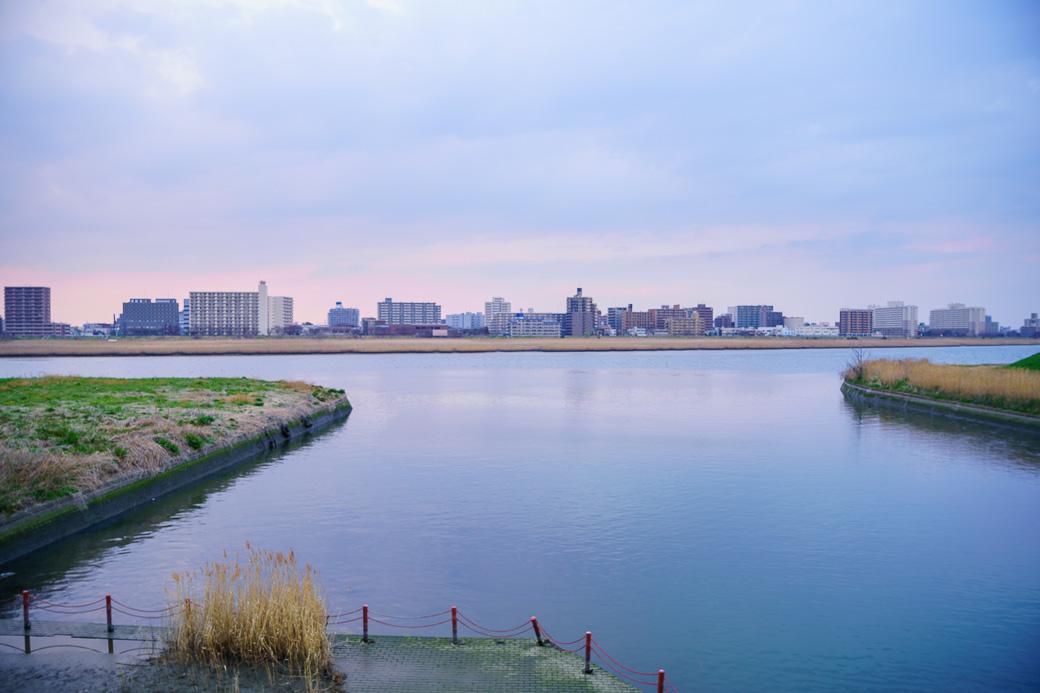 多摩川川崎河口水門から六郷橋方面