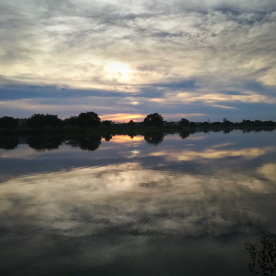 7月23日 am 5:10 多摩川二ヶ領宿河原堰付近