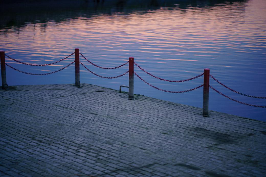 川崎河口水門のテラス