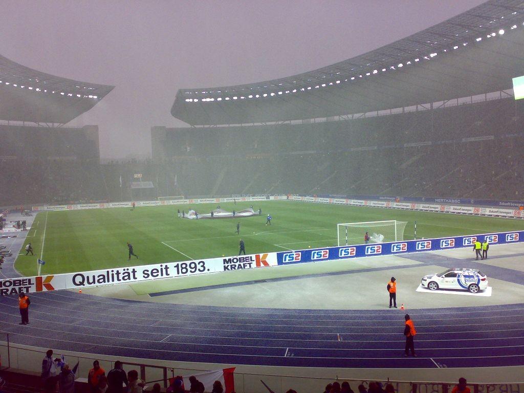 Schnee im Stadion