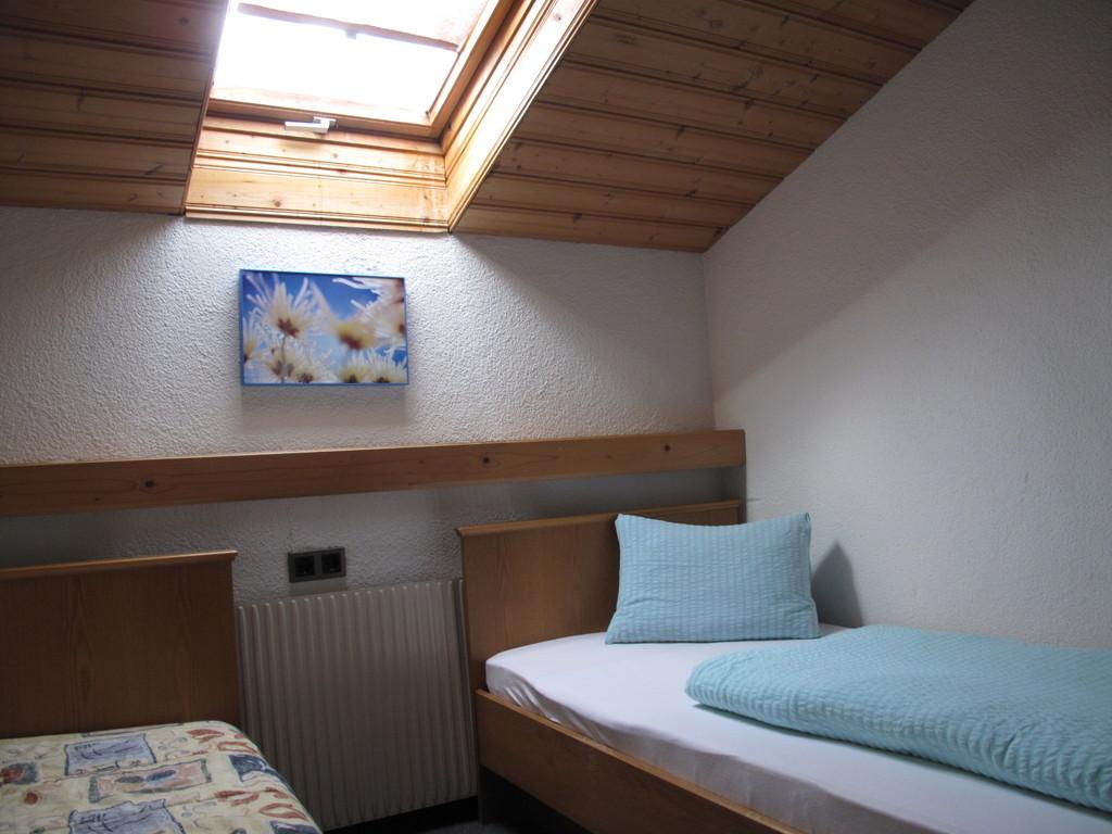 Hoamatl Pfunds kleines Schlafzimmer große Wohnung im zweiten Stock
