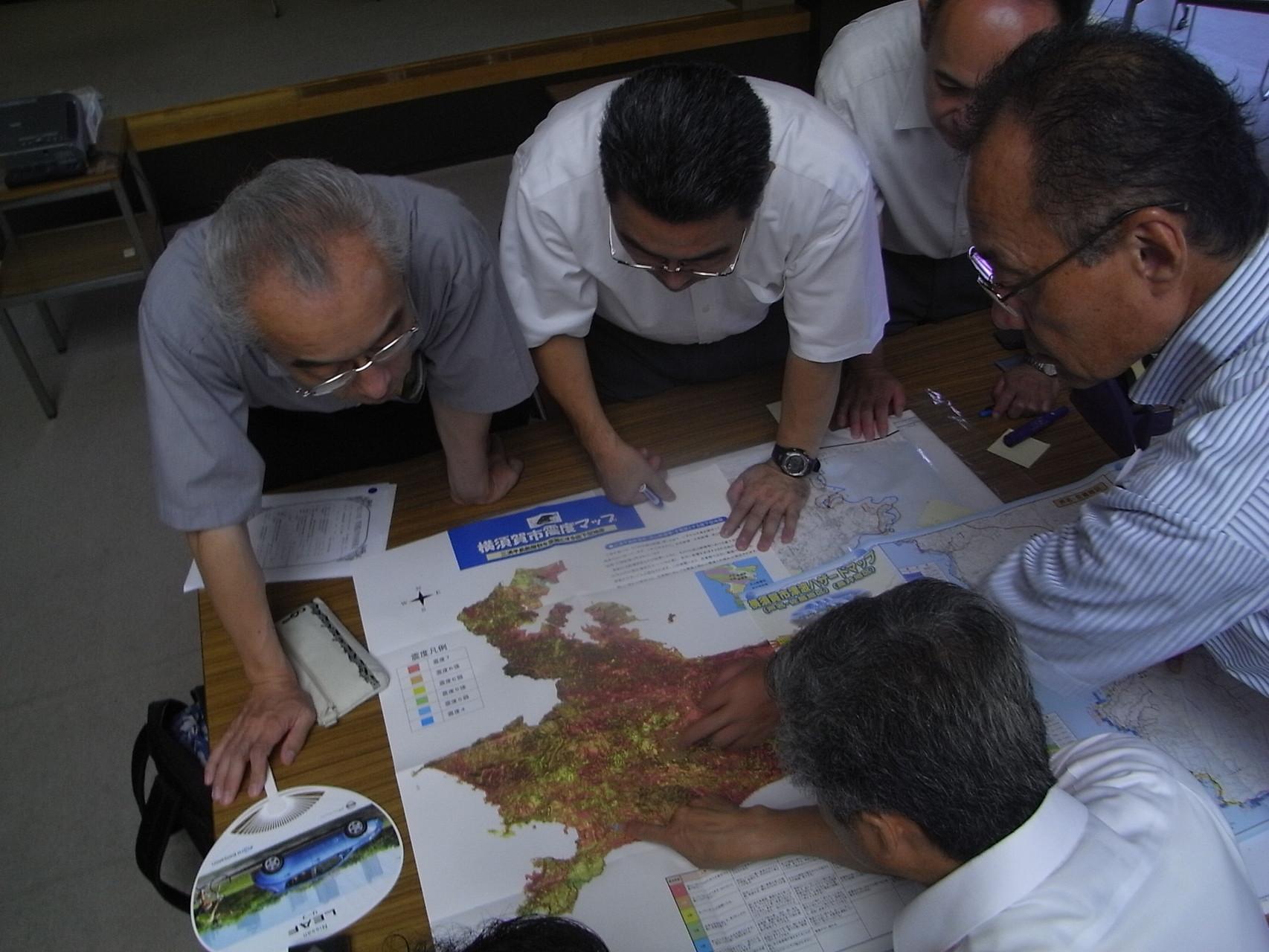 古地図を使った防災ワークショップ~土地の持つ潜在的な危険度~H23年度管理職夏季特別研修会
