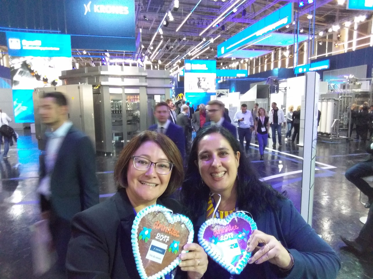 Simone Horvatin and Maria Valle from Messe München visiting DRINKTEC!