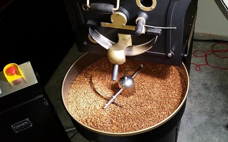 Veredelung von Rohkaffee zu Röstkaffee