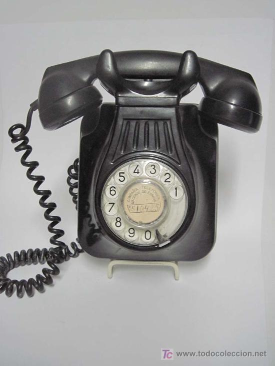 TELEFONO NEGRO DE BAQUELITA DE DISCO DE COLGAR EN PARED.