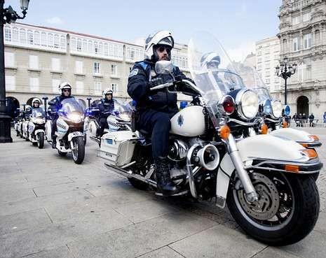 HARLEY DAVIDSON DE LA POLICIA LOCAL,2 TIENE LA POLICIA MUNICIPAL