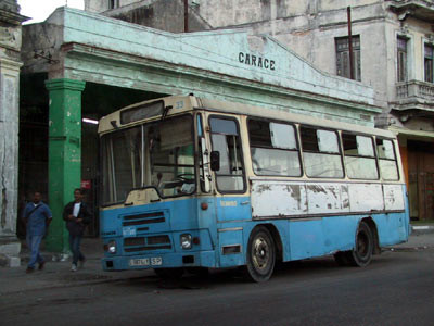 EMIGRADO A CUBA.