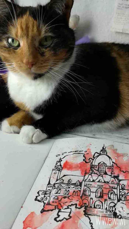 Und sie sitzt zufrieden auf meinem fast fertigen Werk :-D Typisch Katze