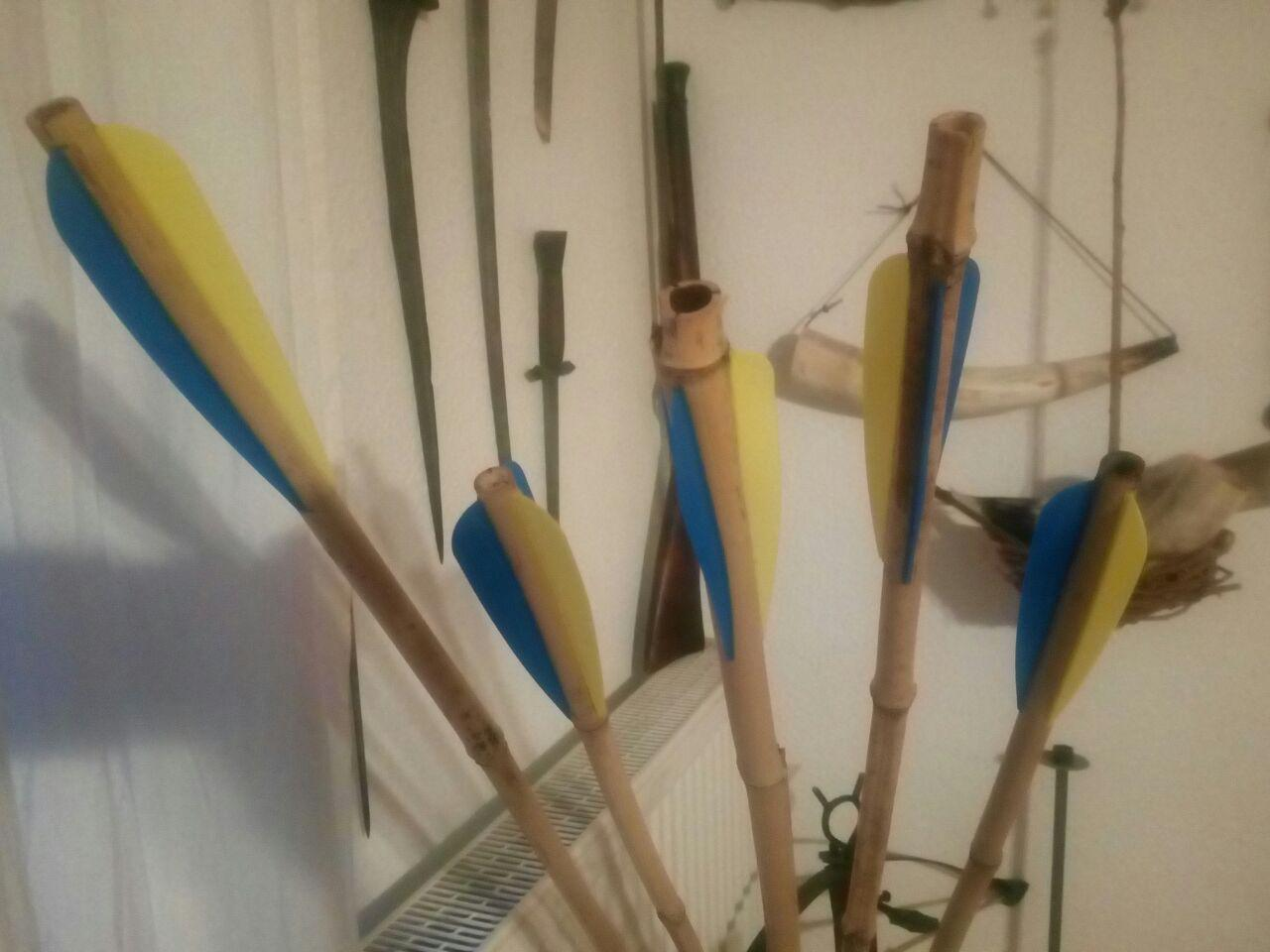 Neue Atlatl-Speere aus Bambus.