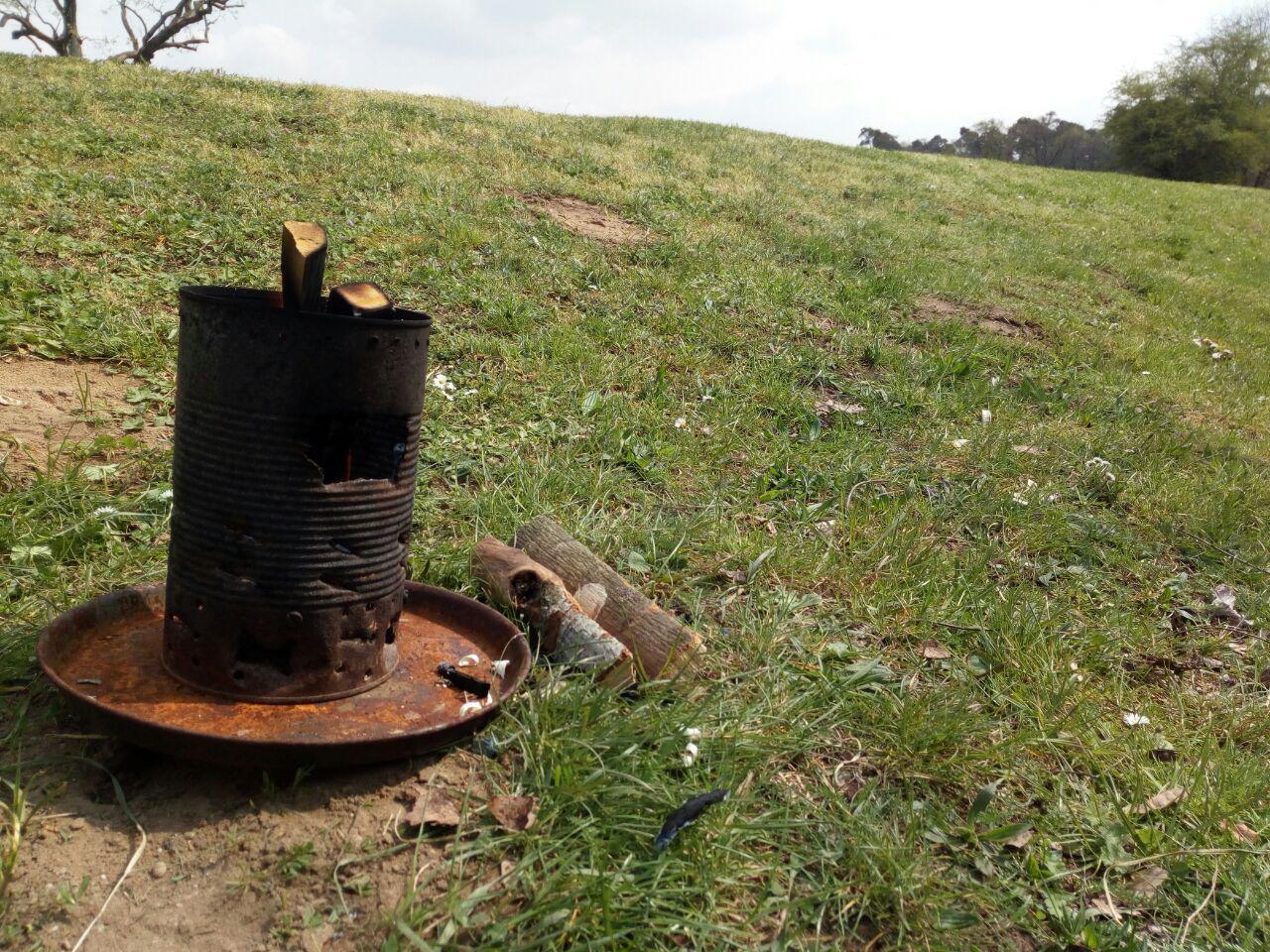 Auch verschiedene Hobo-Kocher brannten für den Kräutertee.