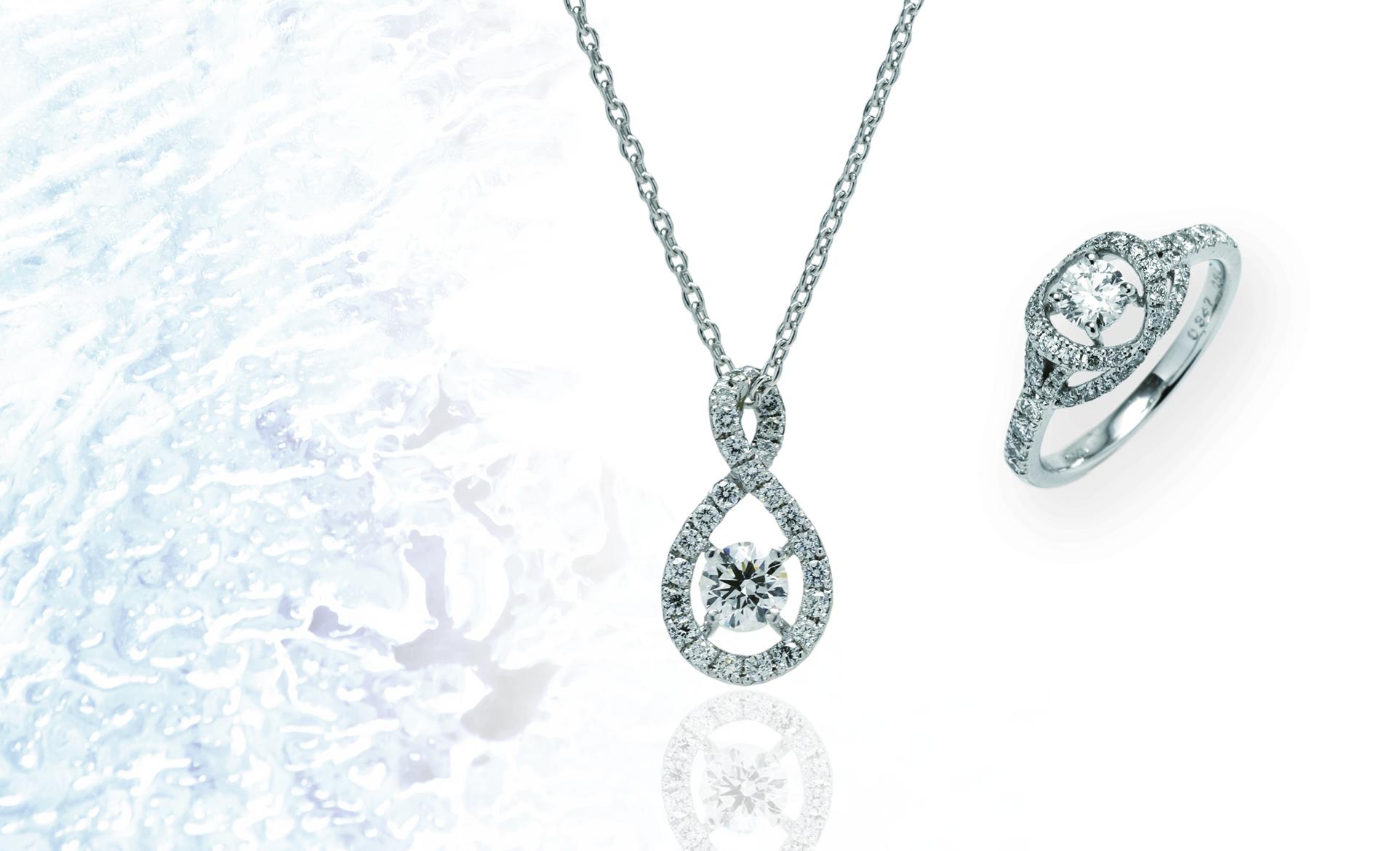 左.ダイヤネックレス(0.330・0.200ct) ¥693,000  右.ダイヤリング(0.347・0.540ct) ¥803,000