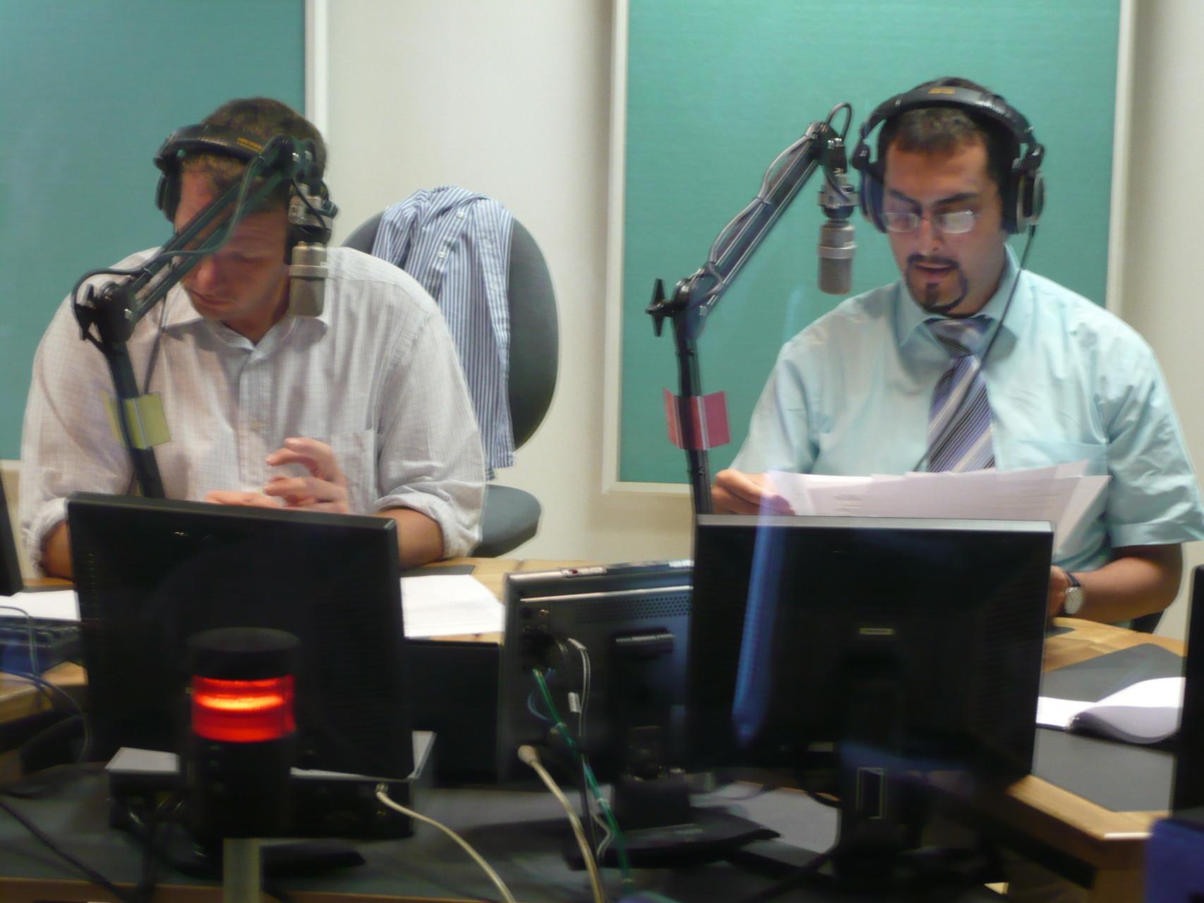 Mit Mario Galgano im Nachrichtenstudio