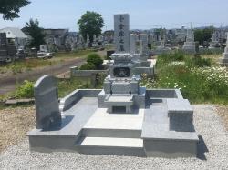 愛宕墓地で和型墓石建立